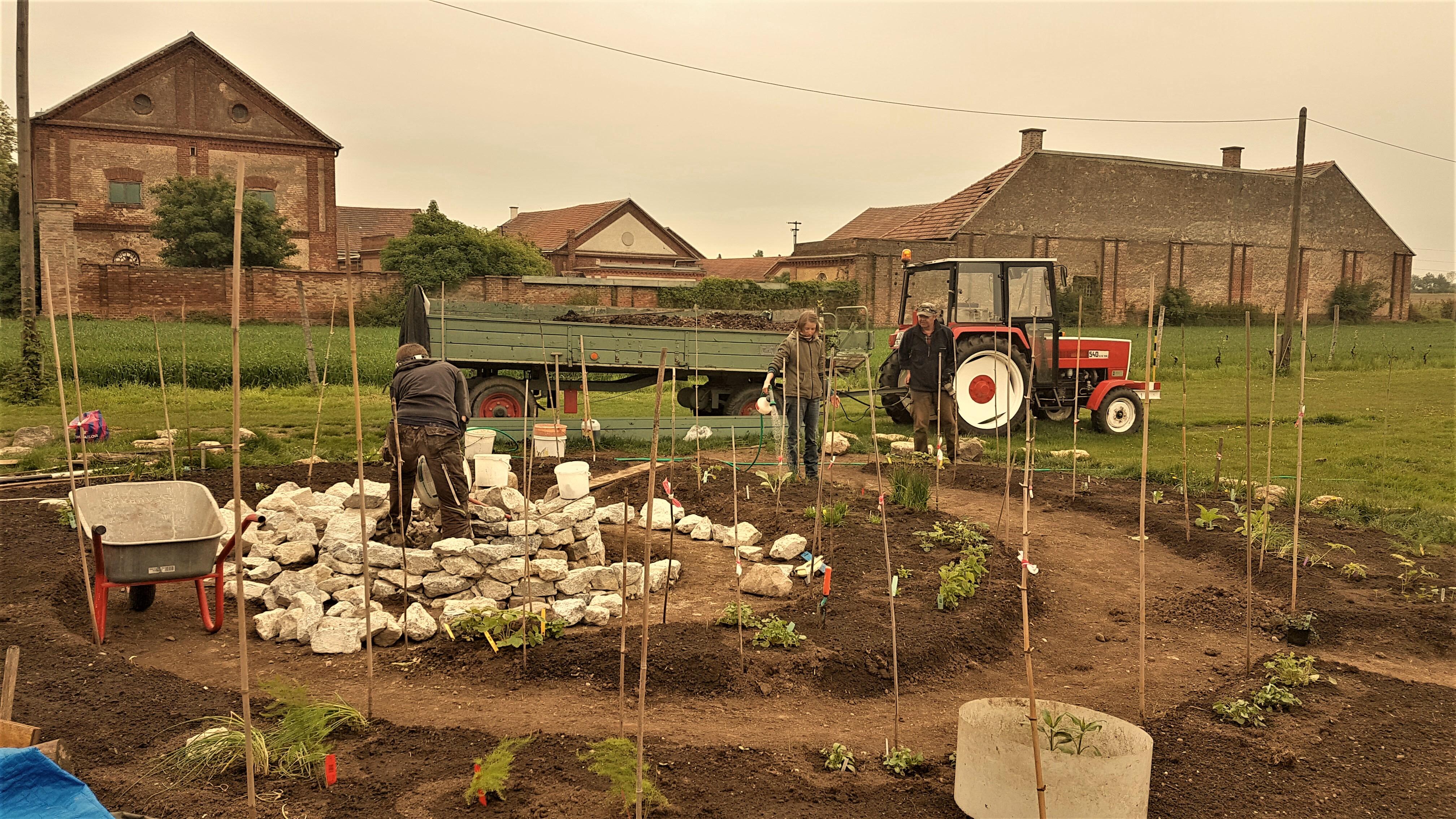 Nachhaltiger, produktiver Garten auf der Schnecken-Manufaktur Gugumuck