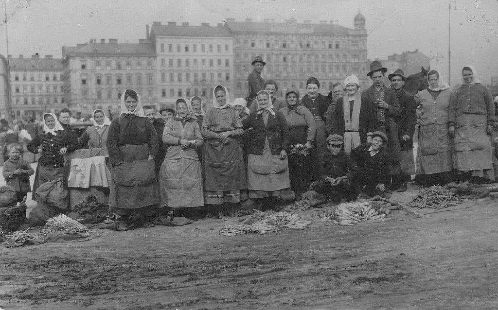 1925_Wiener Heumarkt, über Generationen baute Familie Gugumuck Feldgemüse in Rothneusiedl an