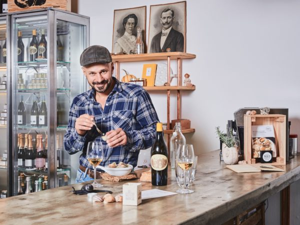 Credis Felix Mayr, Andreas Gugumuck im Gourmet Shop der Schneckenmanufaktur Gugumuck