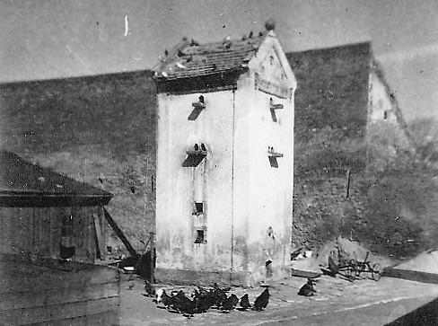 1947_Taubenkobel bis 1954 mit einer echten Türkenkugel