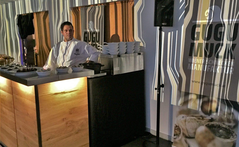 Exclusives Catering von Gugumuck, Wiener Schnecken-Manufaktur, die Speisen werden vom Schneckenkoch exklusiv gekocht nach ihren Wünschen