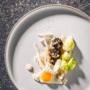 probost3, Menü mit der Escargot, Wiener Schnecke Gugumuck. Schneckenperlen oder Schneckenkaviar ist ein Geheimtipp unter Haubenköchen geworden. OB ALS AMUSE-GUEULE ODER TOPPING FÜR IHR GANZ BESONDERES GERICHT!