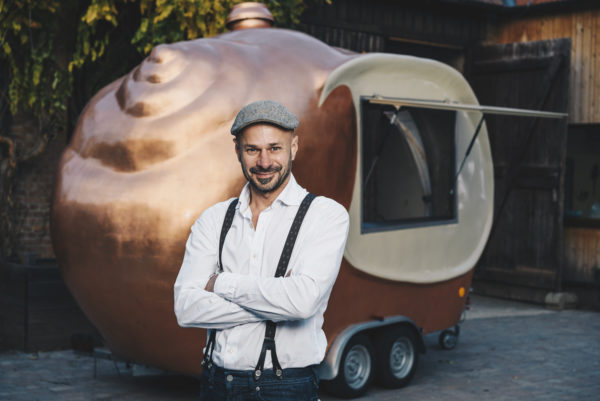 Andreas Gugumuck mit dem Snail Trailer